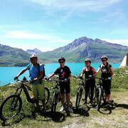 © val-cenis-lanslevillard-magasin-sports-sorties-accompagnées_intersport-altitude - <em>Intersport Altitude</em>