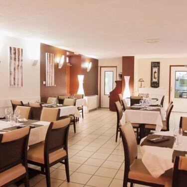 © avrieux-restaurant-la-cascade - <em>Studio Viart Modane</em>