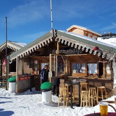 © valfrejus-hiver-restaurant-d-altitude-la-goumandize-fartix - <em>jill.deleglise</em>