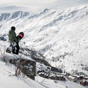 © Domaine Galibier Thabor Valmeinier snowboardeuse - <em>Office de tourisme de Valmeinier</em>