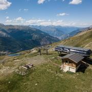 © Télésiège des Jeux en été domaine Galibier Thabor - <em>Office de tourisme de Valmeinier</em>