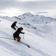 © Skieurs sur le Domaine Galibier Thabor Valmeinier - <em>Office de tourisme de Valmeinier</em>