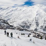 © ski entre amis au Domaine Galibier Thabor Valmeinier - <em>Office de tourisme de Valmeinier</em>