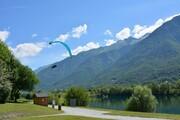© Aterrissage parapente Lac des Hurtières - <em>OT POrte de Maurienne</em>
