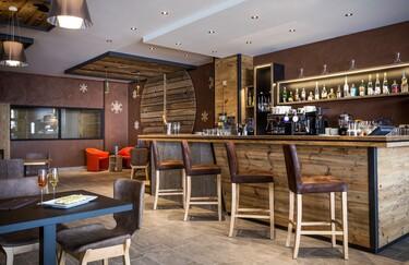 © val-cenis-bar-restaurant-saint-charles- - <em>Abaca Press</em>