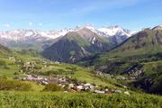 © Vue sur La Chal - Saint Jean d'Arves - <em>Office de Tourisme SJA</em>