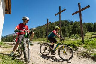 Les Trois Croix en VAE depuis Valmeinier