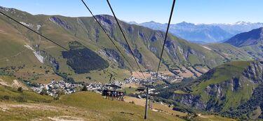 © Télésiège Plan du Moulin Express - <em>V. Mulot / Sybelles.ski</em>