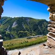 © Au-dessus du village de Besse-en-Oisans - <em>Laurent Salino</em>