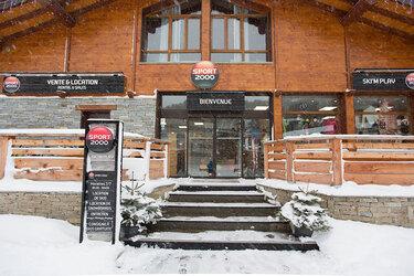 © la-norma-sport-2000-location-ski - <em>Sport 2000</em>