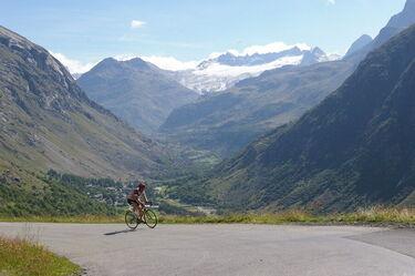 © bonneval-sur-arc-cyclo-col-iseran - <em>DR. OT Haute Maurienne Vanoise / Pascal Cariou</em>