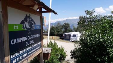 © Panneau d'entrée - <em>@Camping du Col</em>